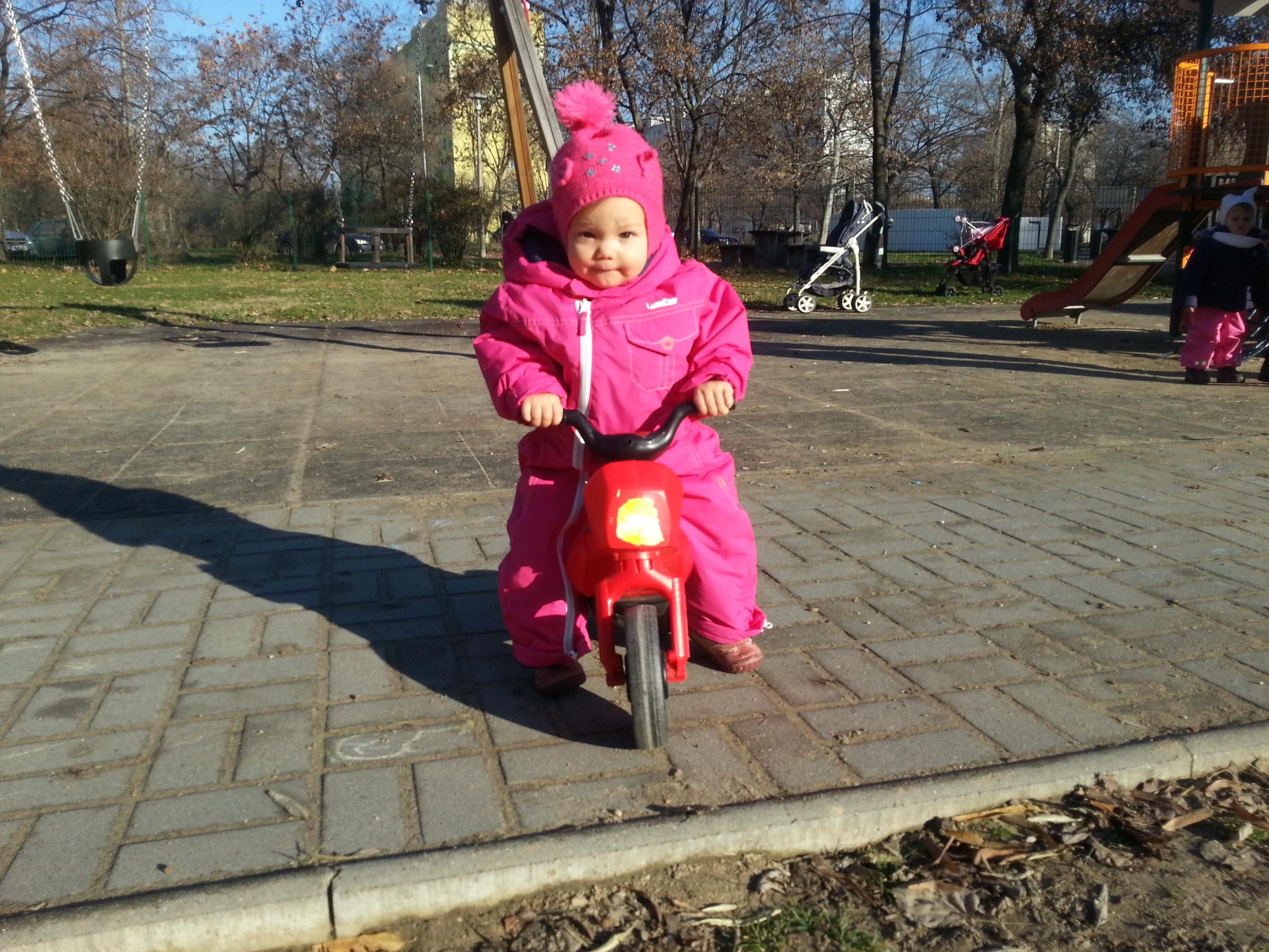 Babajelek_Babajelbeszed_Motor_20141219_103525